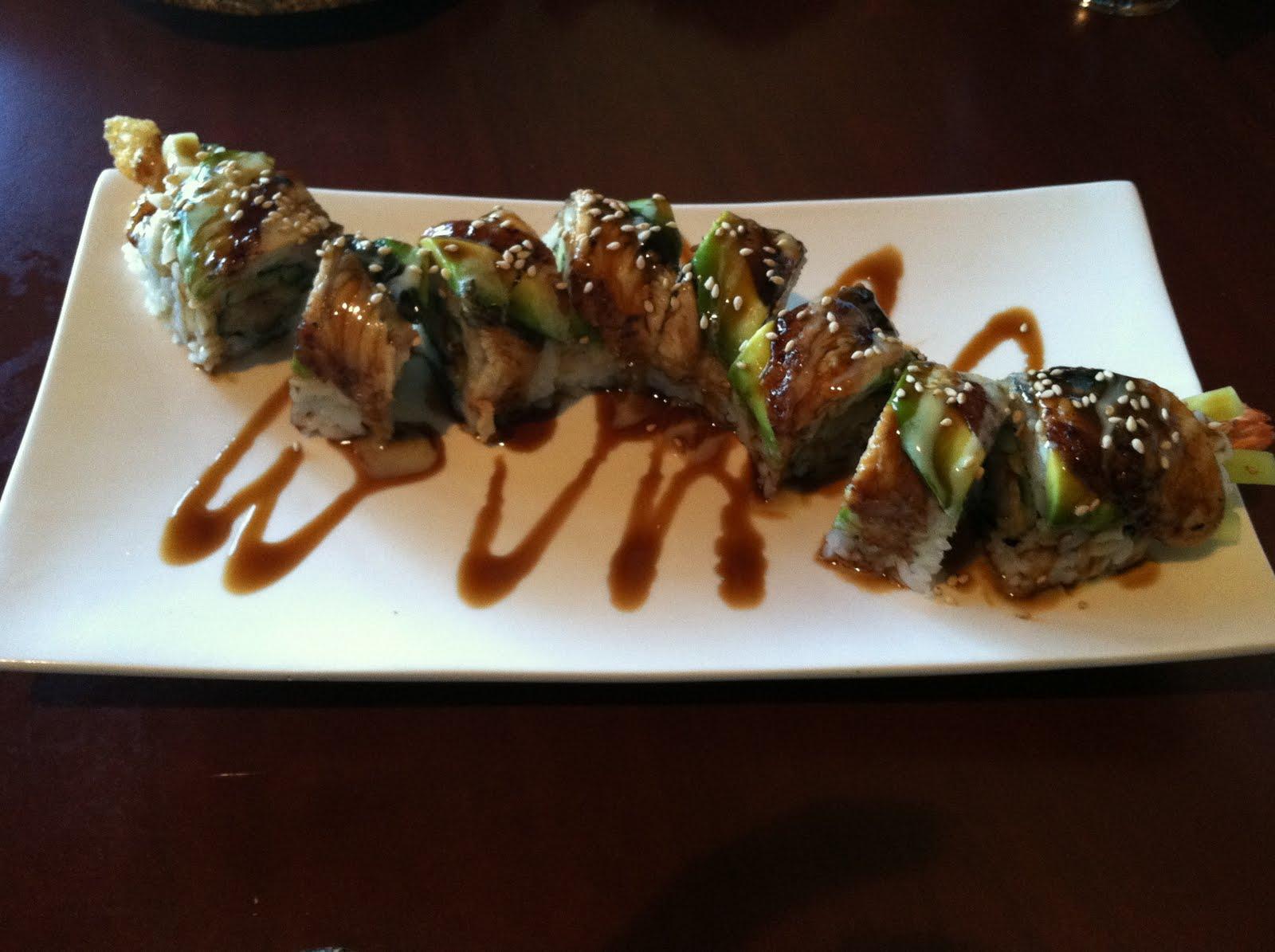 Dragon roll – Sushi Delight | Vittle Monster