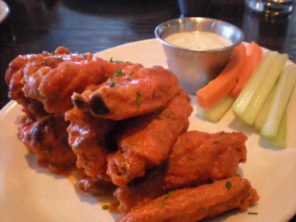 Chicken wings Hog & Rocks
