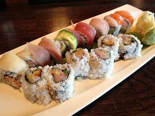 Assorted rolls Kama Sushi