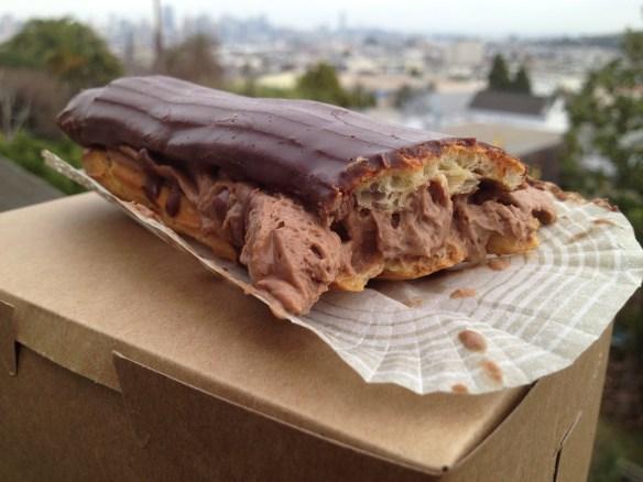 Chocolate eclair La Boulange de Noe