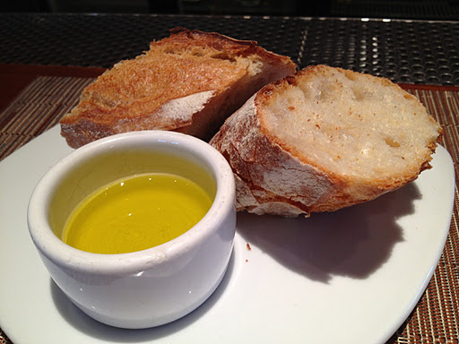 Baguette and olive oil COCO500