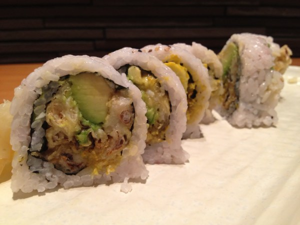 Soft shell crab roll Hecho